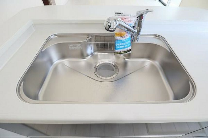 \同仕様写真/ワイドシンクなので家族が増えても洗い物楽々です