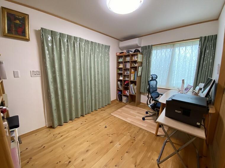 洋室 ゆとりのある洋室は、お子様のお部屋や主寝室、来客時の宿泊室、趣味のお部屋としてもご利用いただけます