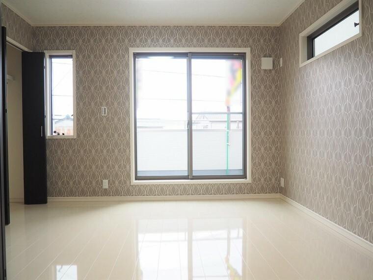 洋室 洋室  LDK横の洋室  収納スペースが充実しています