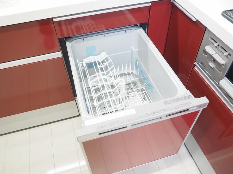 食器洗浄乾燥機 同仕様 キッチンには嬉しい食洗機付き  家事がはかどりそうですね