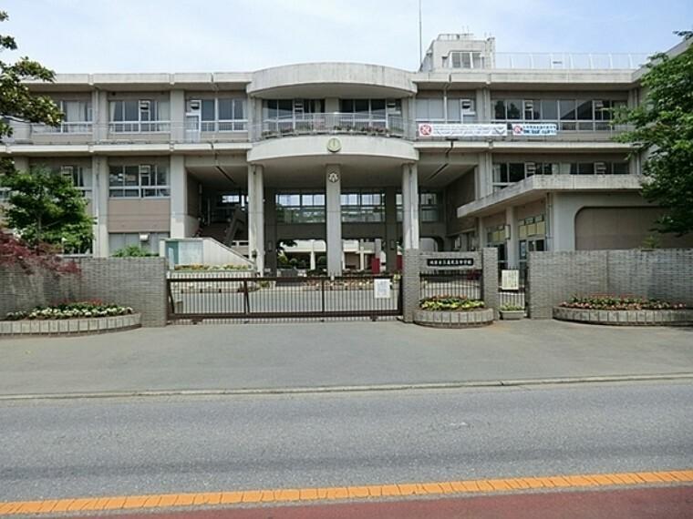 中学校 鴻巣市立赤見台中学校