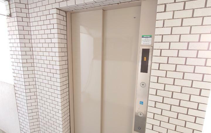 エレベーター有り