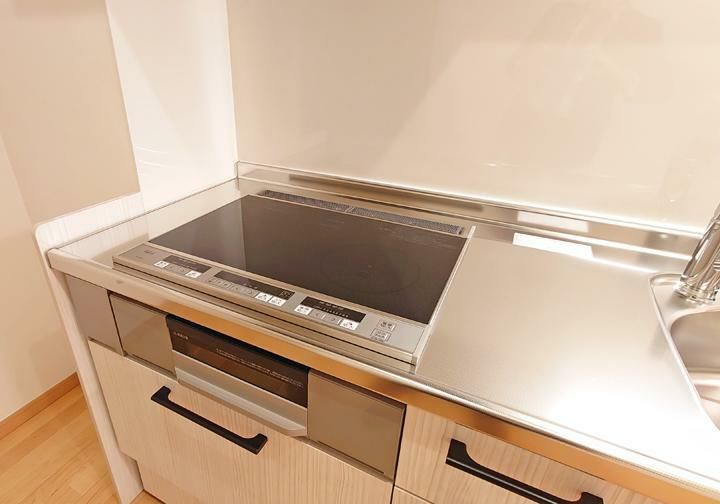 キッチン IHコンロでお手入れもらくにできます。