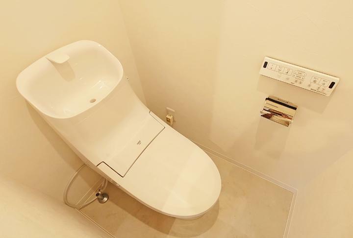 トイレ トイレ新規交換。ウォシュレット新規設置済み。