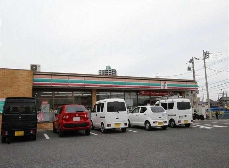 コンビニ 【コンビニエンスストア】セブンイレブン 大井市沢店まで760m