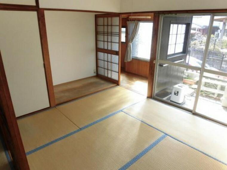 和室 和室4.5帖、1階の和室は続きまでとても広く使えます