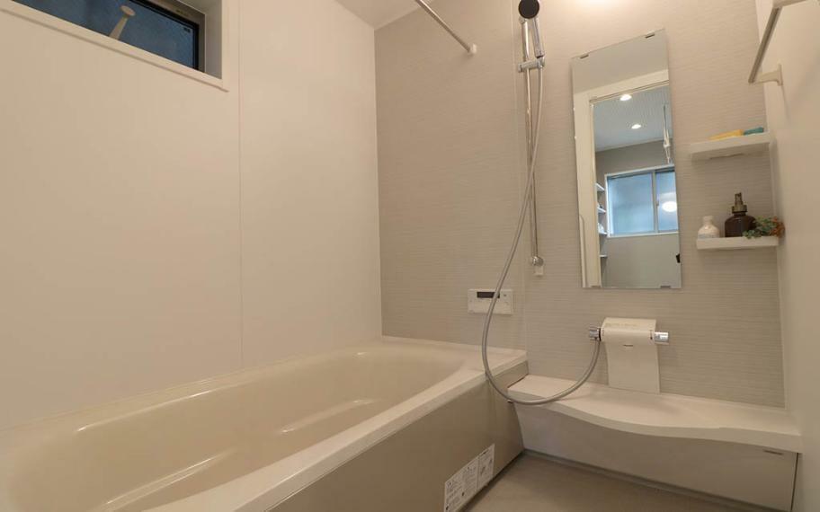 浴室 施工例■お掃除ラクラク機能満載の浴室。1616サイズなのでゆとりあるお風呂タイムが楽しめます。