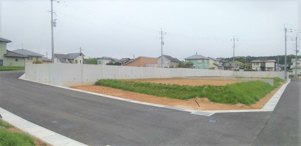 現況写真 D&H分譲地は地盤保証付。土地に関して追加の費用の心配はいりません。