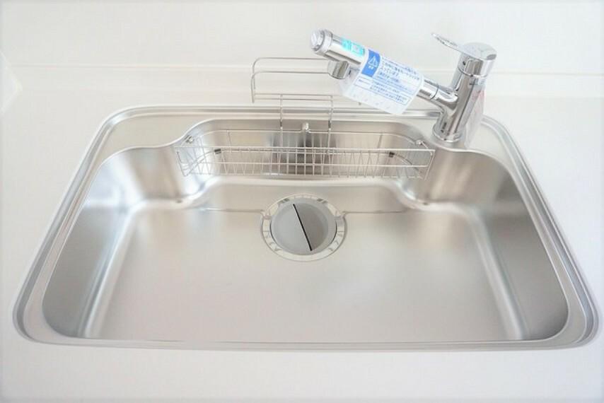 キッチン (同仕様写真)広さのあるシンクは大きなお鍋も楽々洗えますね^^