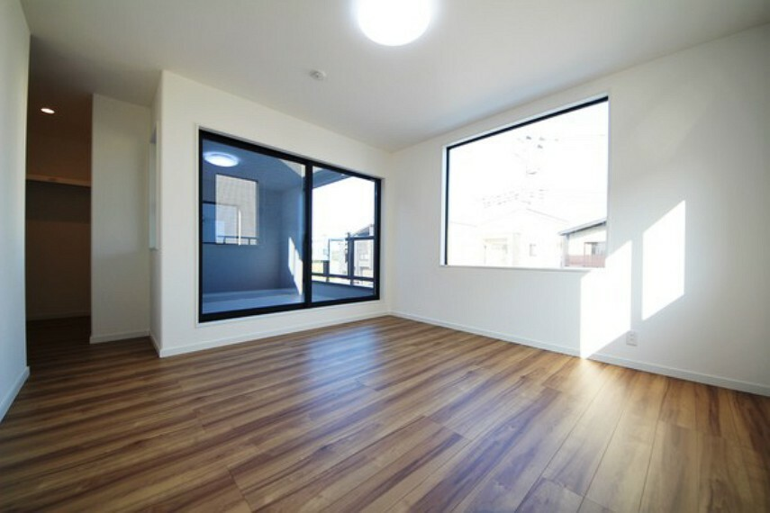 洋室 【施工例】 明るい洋室は日当たり、風通し共に良好です!気分も明るくなりますね!