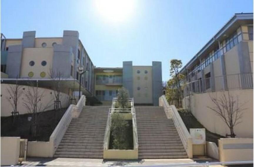 小学校 【小学校】稲城市立南山小学校まで780m
