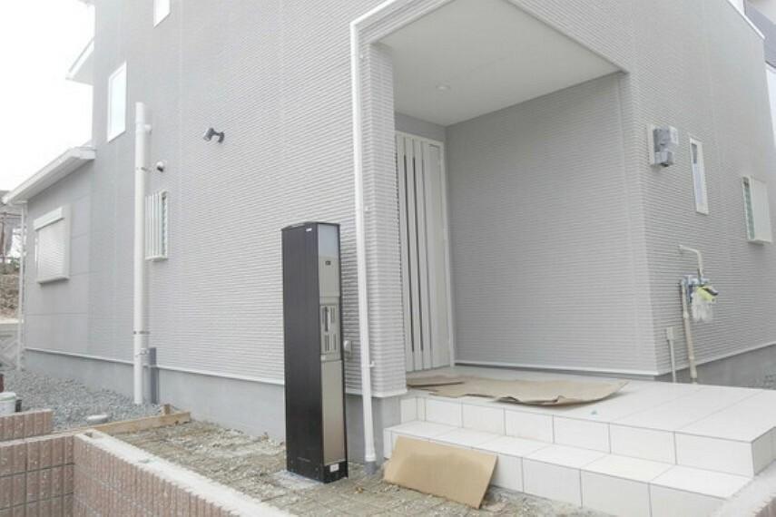 玄関 物件の玄関[2021年2月3日撮影]