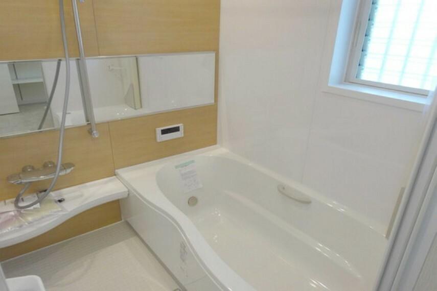 浴室 浴室、追い炊き機能つきです。[2021年2月3日撮影]