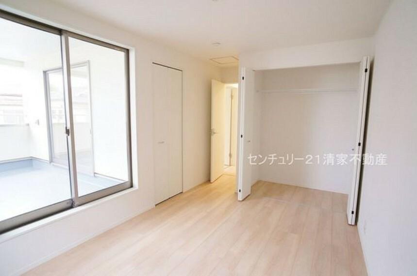 洋室 1号棟:全居室収納ありで住空間スッキリ!(2021年07月撮影)
