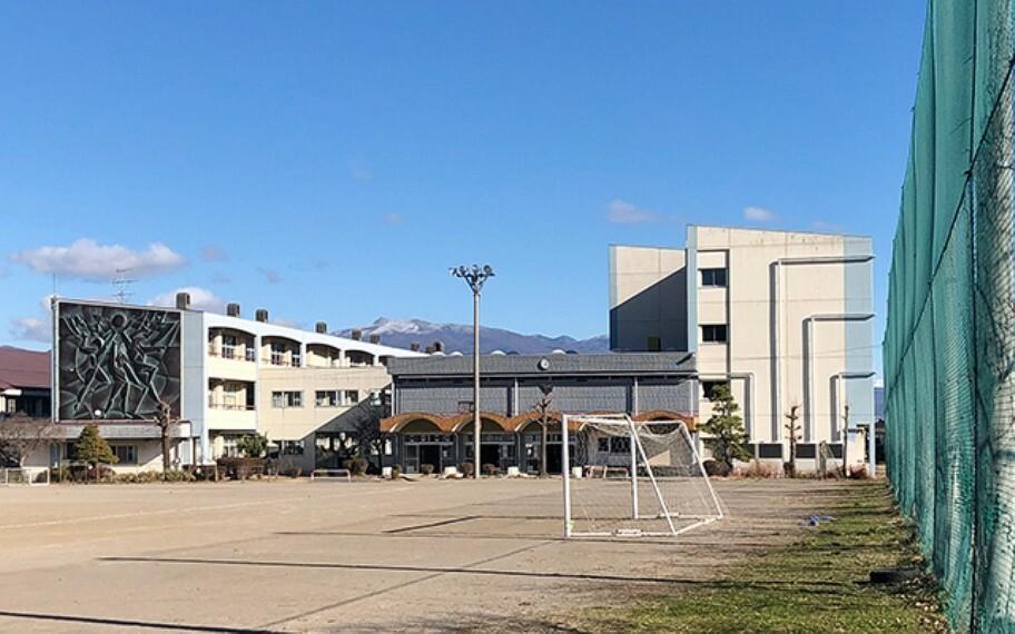 上田市立第六中学校