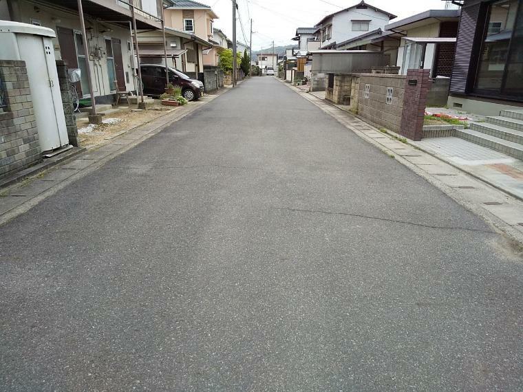 現況写真 前面道路は6mと広く駐車しやすいです