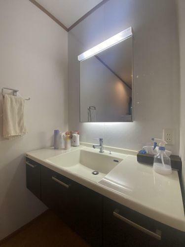 洗面化粧台 大きな鏡が使いやすい洗面台