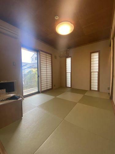 あるとうれしい癒しの和室!突然の来客時や、お子様のお昼寝や遊ぶスペースとして大活躍します!