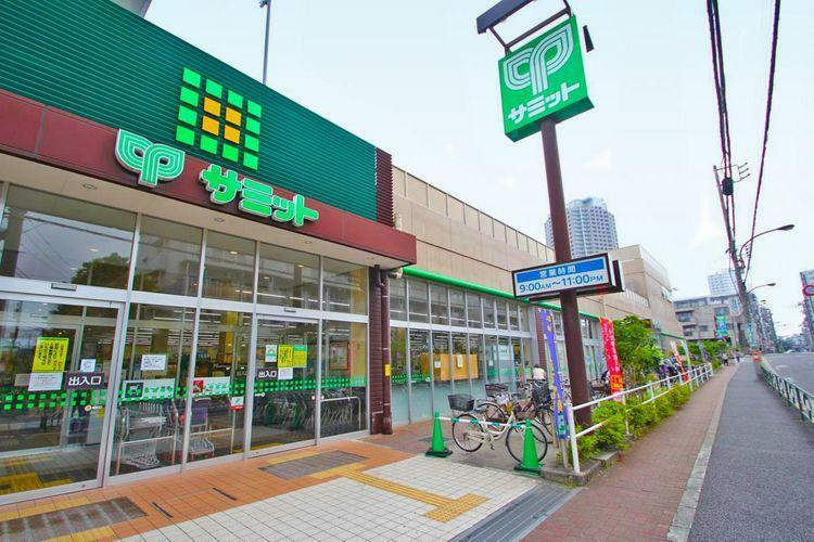 スーパー サミットストア石神井公園店 徒歩2分。