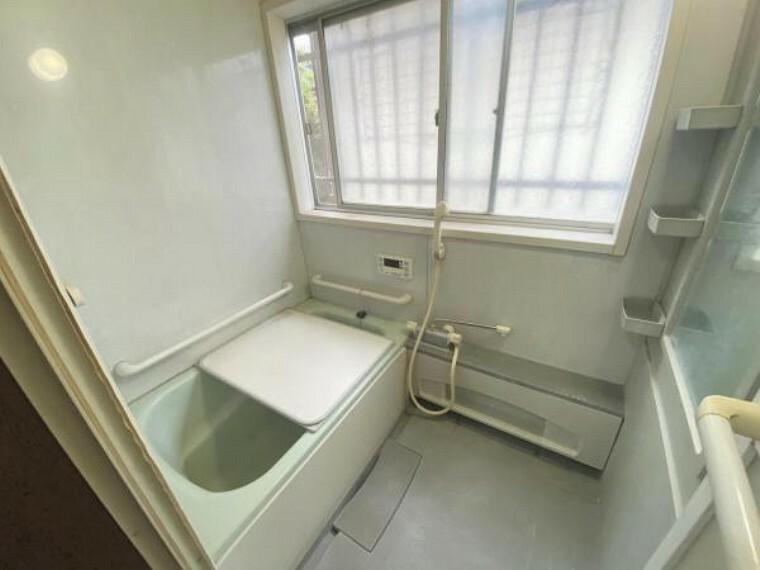 浴室 落ち着いた浴室は、疲れた体をしっかり癒してくれそうですね。