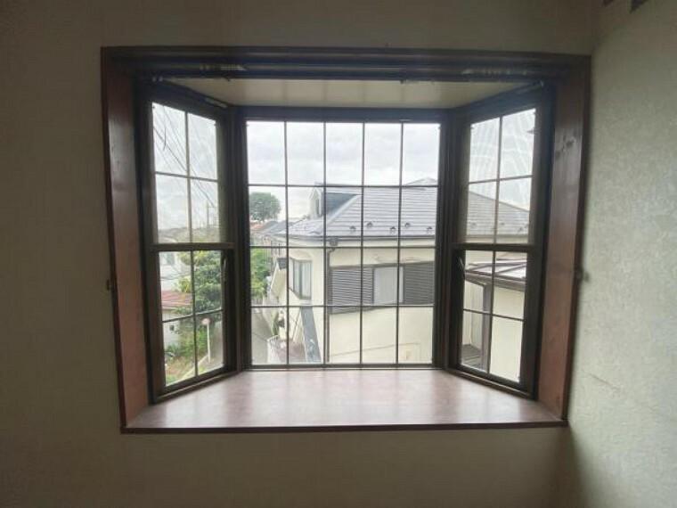 出窓もございます。