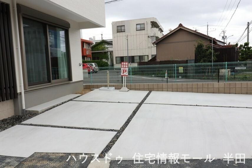 駐車場 駐車場には普通車を2台停められます。
