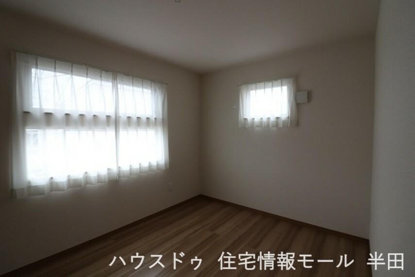 寝室 2階6帖洋室 主寝室としてもおすすめです。