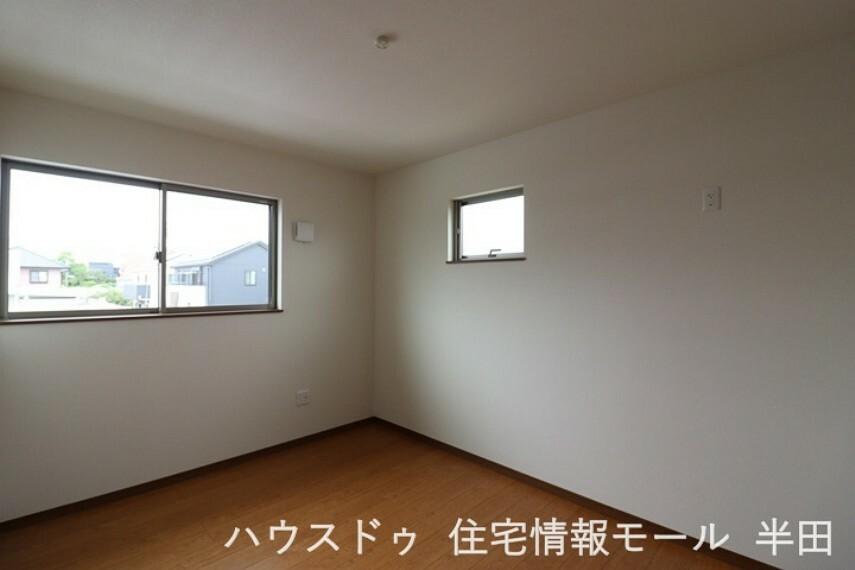 洋室 2階6帖洋室は書斎や家事スペースとしても活躍しそうですね。