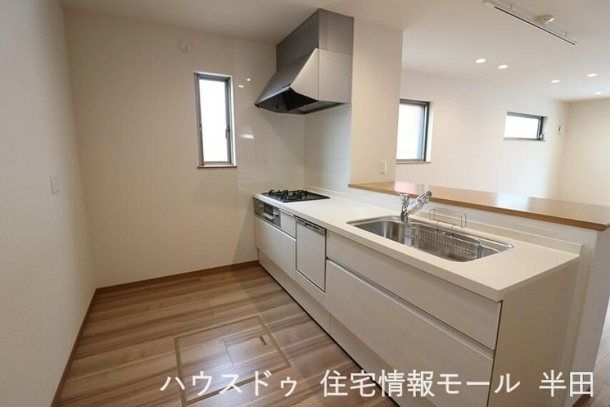 キッチン 機能的で使い勝手の良いシステムキッチンです。