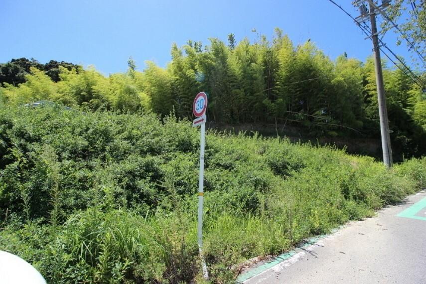外観・現況 常滑中学校まで徒歩20分(約1580m)