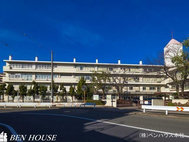 中学校 横浜市立大鳥中学校 距離210m