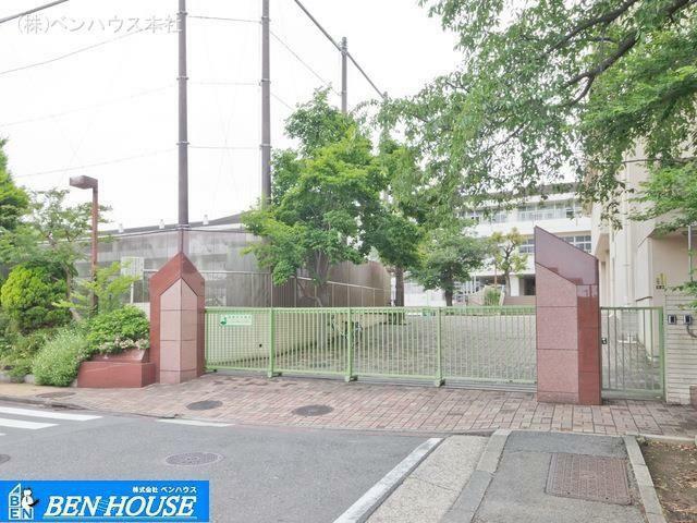 小学校 横浜市立本牧小学校 距離960m