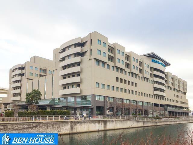 病院 横浜市立みなと赤十字病院 距離2070m