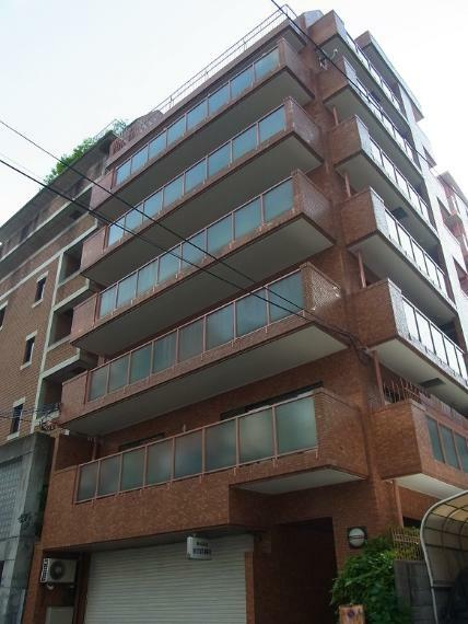 外観写真 1979年3月築 RC造8階建4階部分 南西角部屋