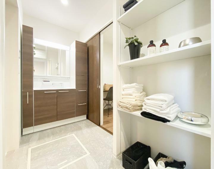 脱衣場 洗面室リネン庫(※写真は施工例です)