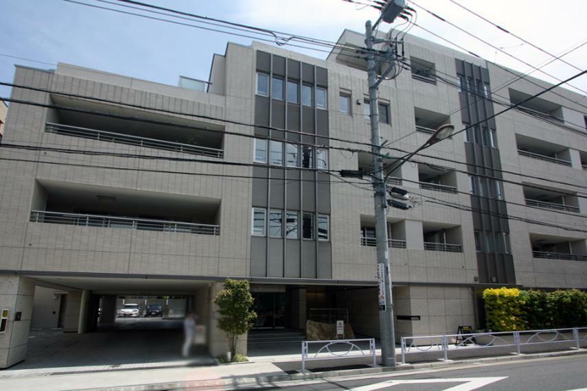 外観写真 5階建て、総戸数42戸。伊藤忠都市開発旧分譲のレジデンス。