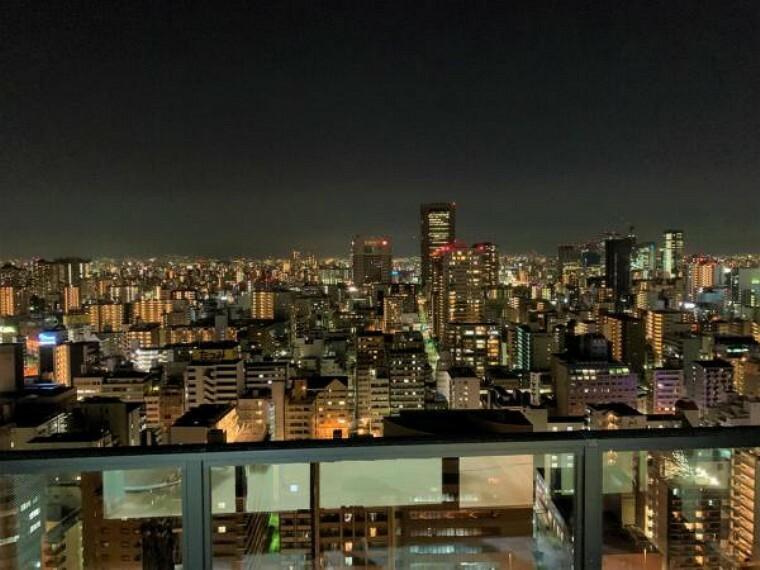 眺望 26階部分で大変開けているため眺望が良好です。 夜には夜景をお楽しみいただけます。