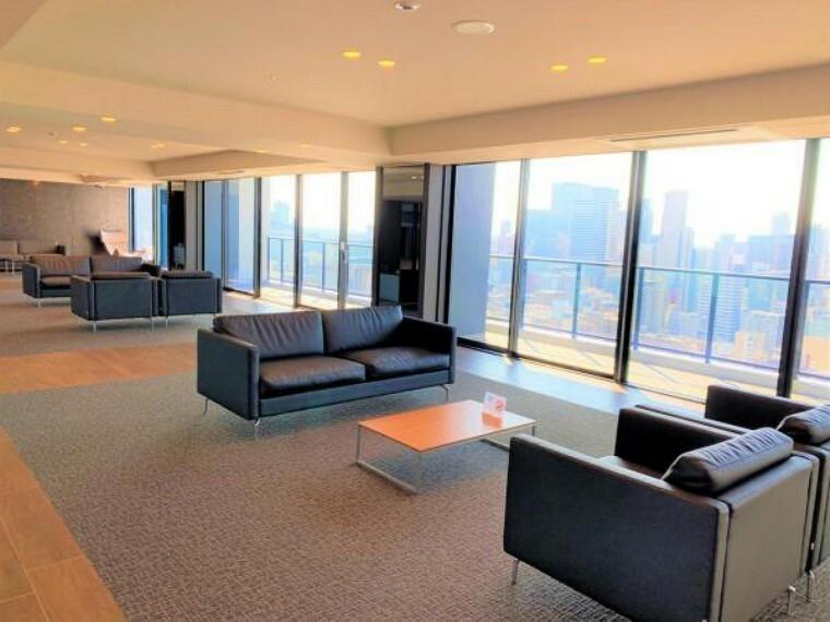 29階にあるスカイラウンジ。 来客や打合せの際に大変便利です。