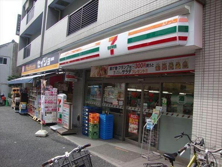 コンビニ 【コンビニエンスストア】セブンイレブン 文京白山駅前店まで120m