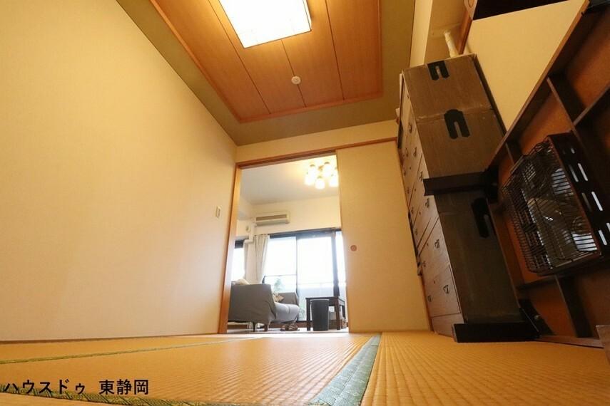 和室 LDKに併設した6畳の和室。居室としてもLDKの延長としても使用可能です。