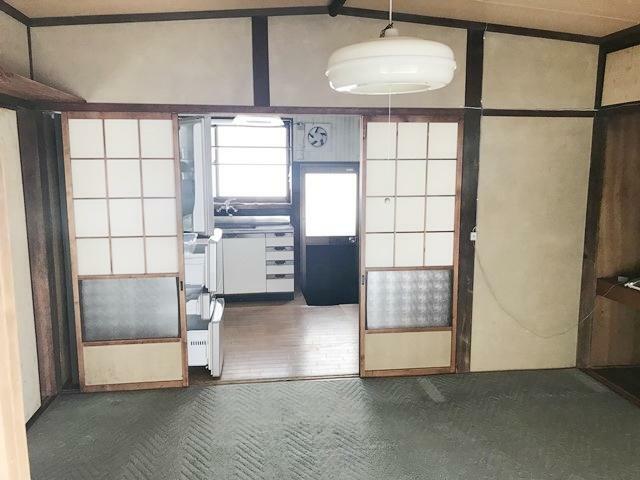 居間・リビング 和室6帖(キッチンの隣)