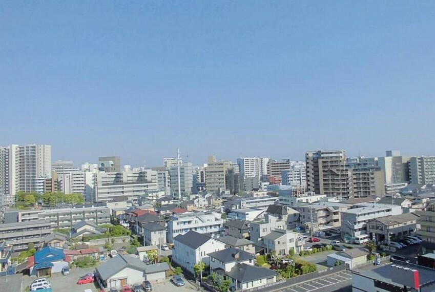 専用部・室内写真 10階部分のお住まいにつき眺望も良好です。