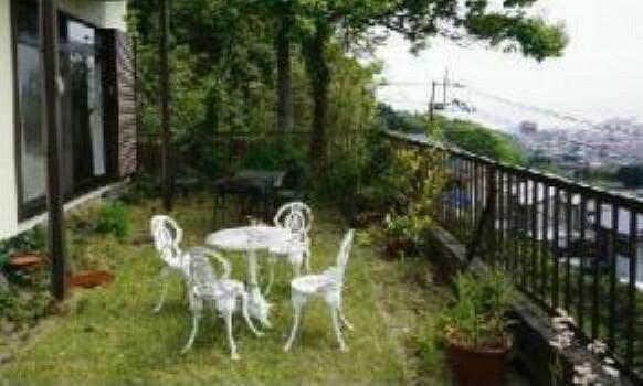 専用部・室内写真 BBQやガーデニング、菜園なども楽しめるお庭付きです。