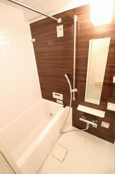 浴室 浴室には暖房換気乾燥機能付き。