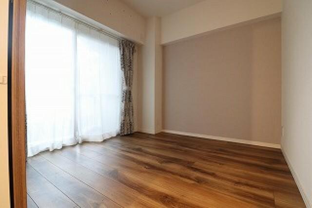 洋室 寝室やプライベートのお部屋にちょうどいい洋室です。