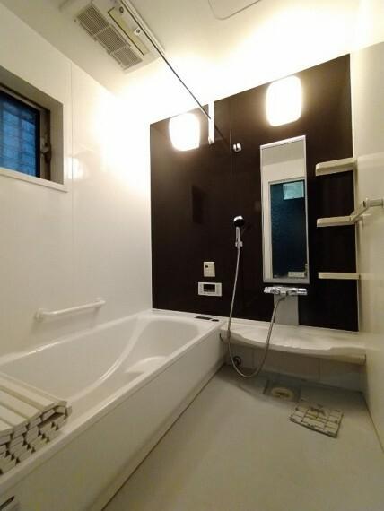 浴室 【浴室】 ミストサウナで心身ともにリラックスできます