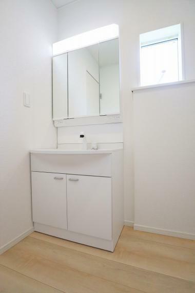 洗面化粧台 【1号棟】大型洗面化粧台(ハンドシャワー付)