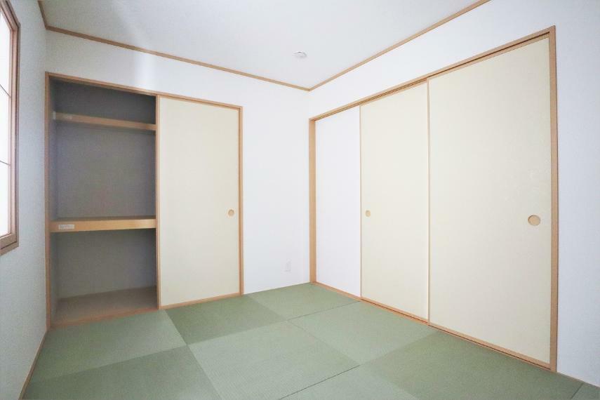 収納 【1号棟】和室6帖押入れ