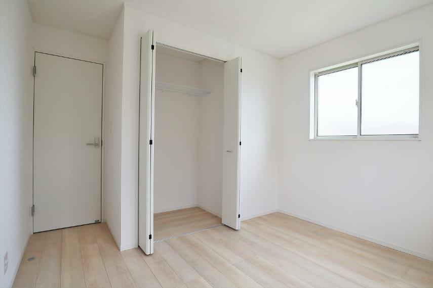 収納 【1号棟】2階洋室5.7帖(東側)クローゼット