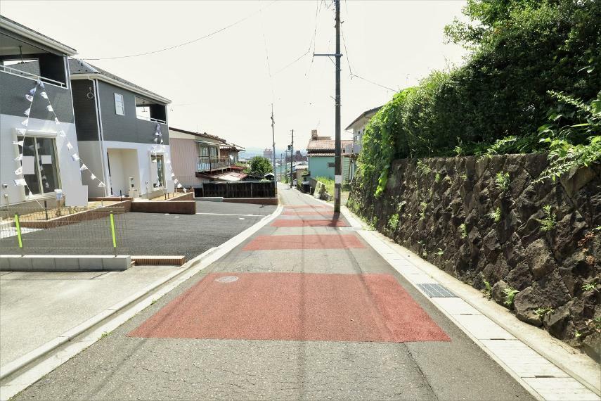 現況写真 【前面道路】南側幅員約4.0m公道